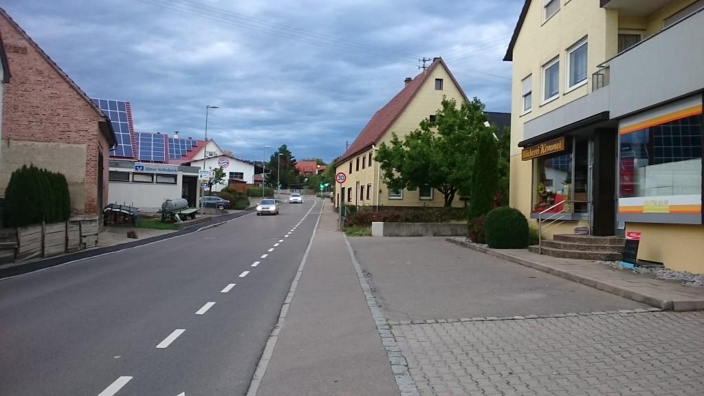 Ortsmitte von Eggingen, Höhe Bäckerei